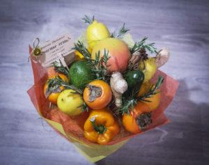 """Букет из апельсинов, лимонов и хурмы с имбирем """"Зимние Солнце"""" цена 2500р"""