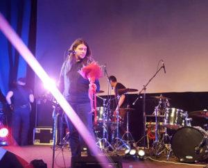 """Букет от Творческой мастерской """"Счастье есть"""" на концерте группы """"Калинов мост"""""""